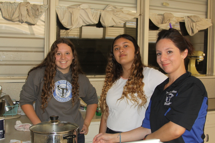 Students cooking Spanish Rice
